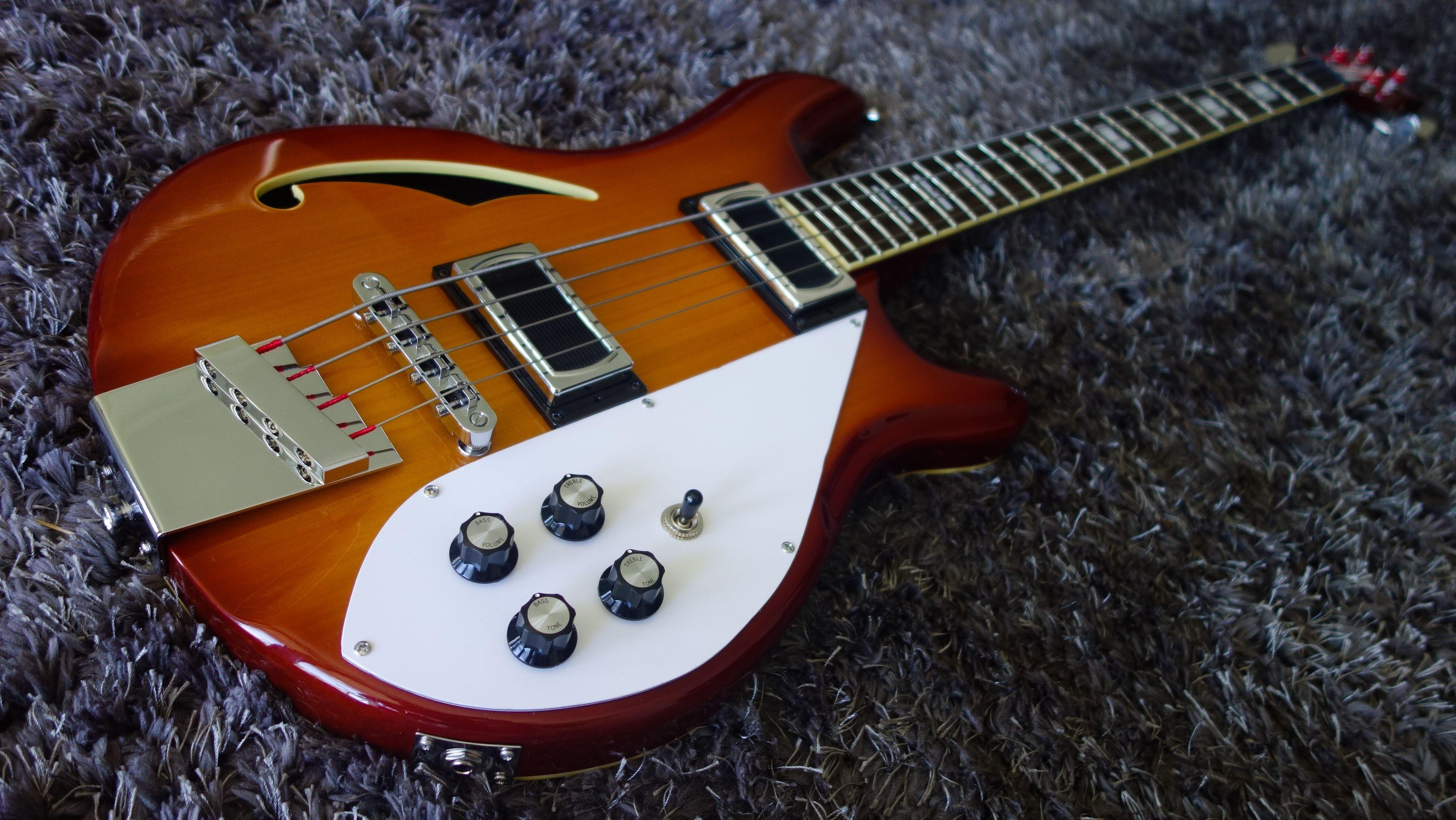 Modded Italia Rimini bass. Loaded with Hanson Vintage Chi Sonic ...