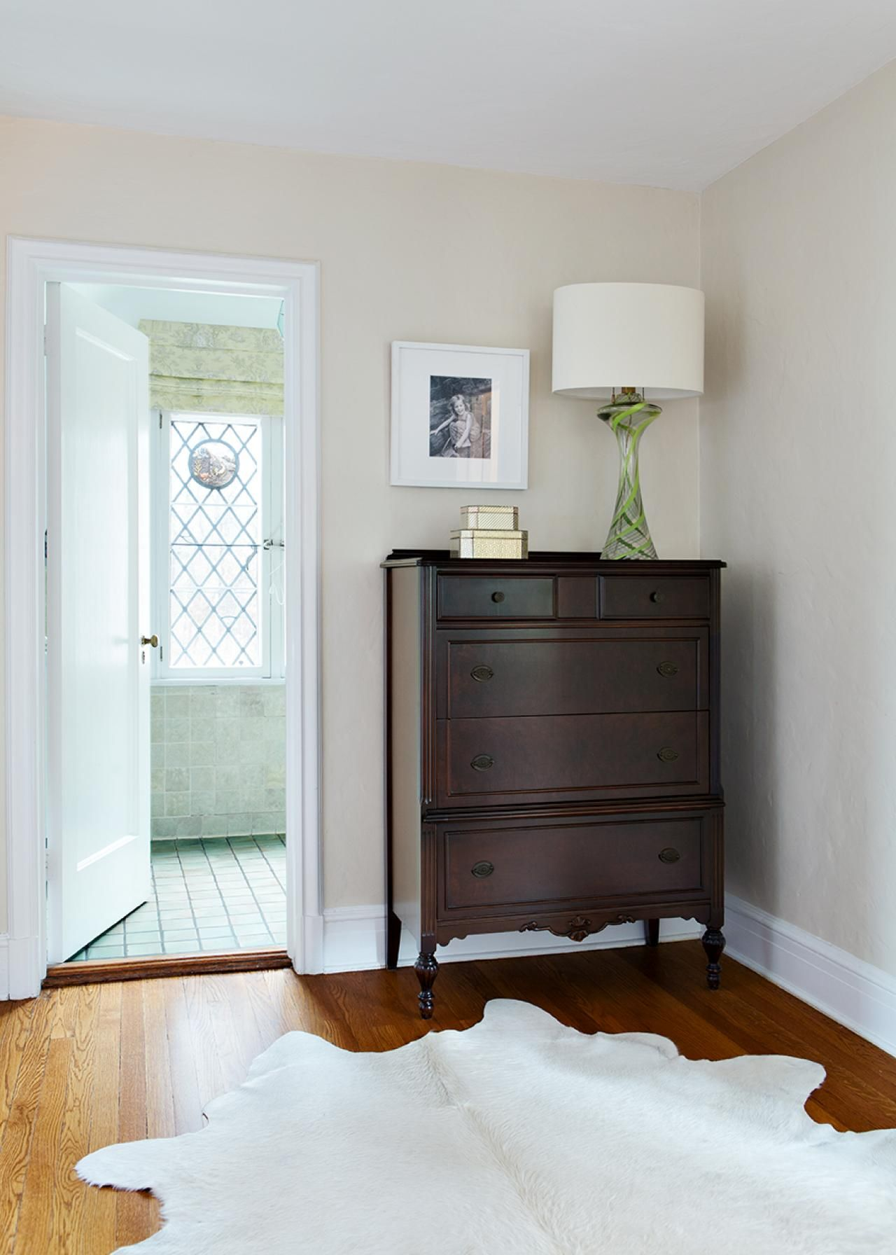 A Gallery of Beautiful Iris Images Traditional bedroom
