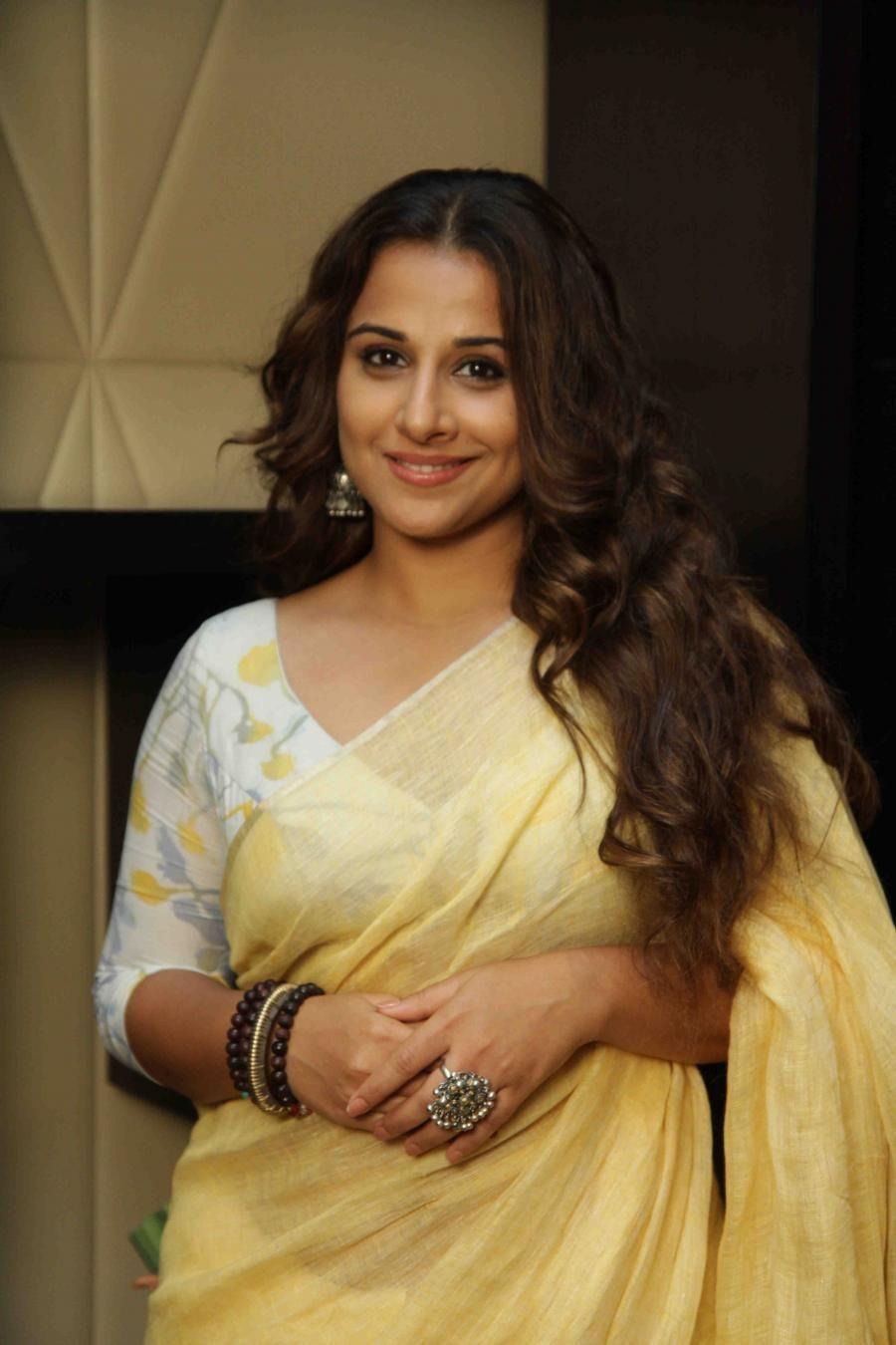 vidya balan hot looking photos in yellow saree | yellow saree, saree