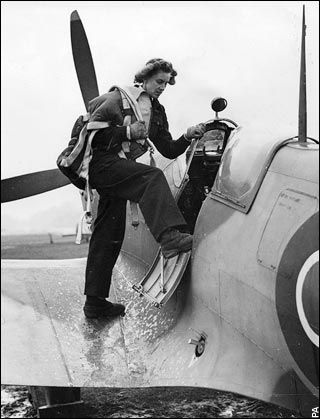 What it Was Like to Be One of the First Female Fighter Pilots