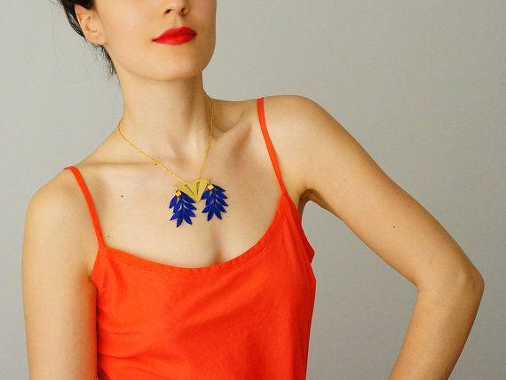NECKLACE // Clavais // Flower Necklace/ Triangle Necklace/ by EPUU