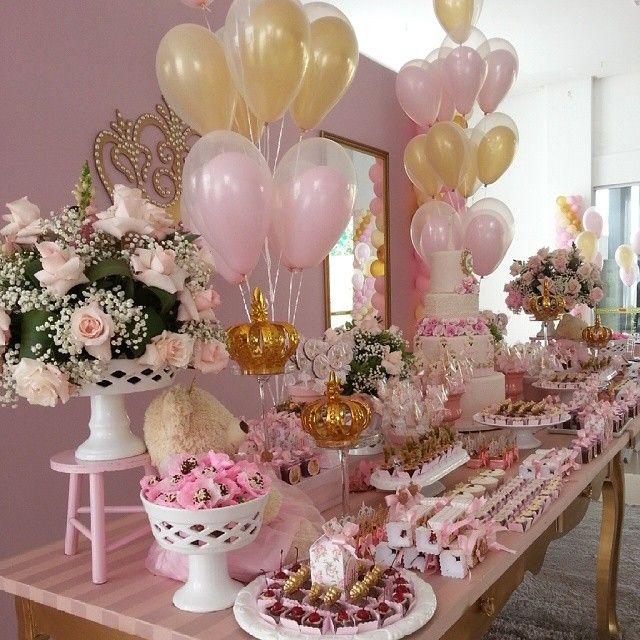 Decoração @rrdamata doces personalizados @doce_alegria Buffet: @espaco_teen lembranças personalizadas: @rrdamata bombons: #geneinachocolates
