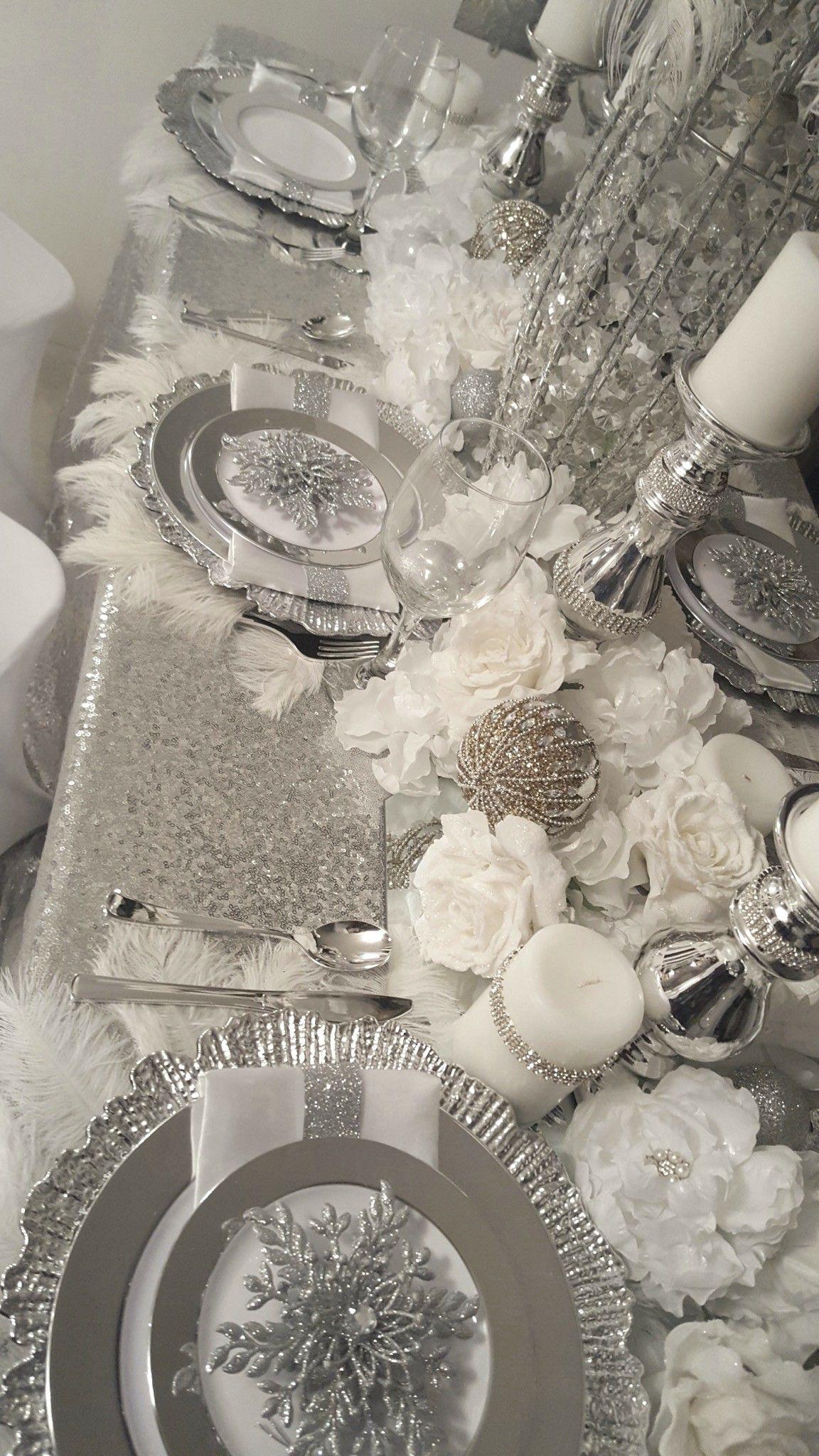 Diamant Du Parris Inc With Images Christmas Dining Table Christmas Table Decorations Christmas Table Settings