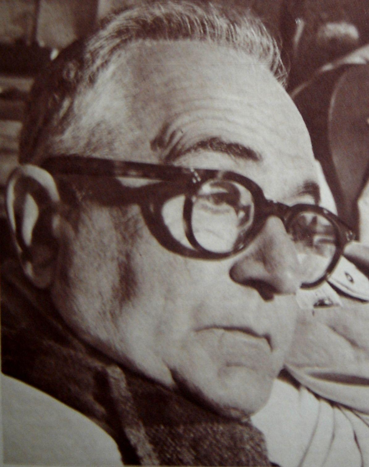 """Vargas amargou um """"exílio"""" de 5 anos na sua fazenda de Itu em São Boja. Lá viveu como um estacieiro de fronteira, longe de tudo e de todos, preparando seu retorno nos braços do povo, para ser lider de massas."""