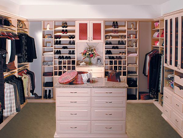 Womenu0027s Walk In Closet Ideas