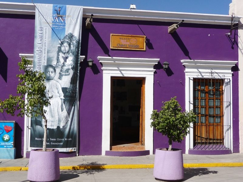 Casas De Color Morado