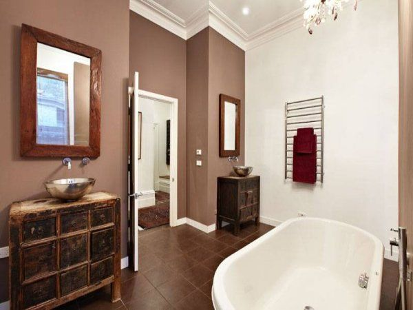 Bathroom: Spacious bathroom