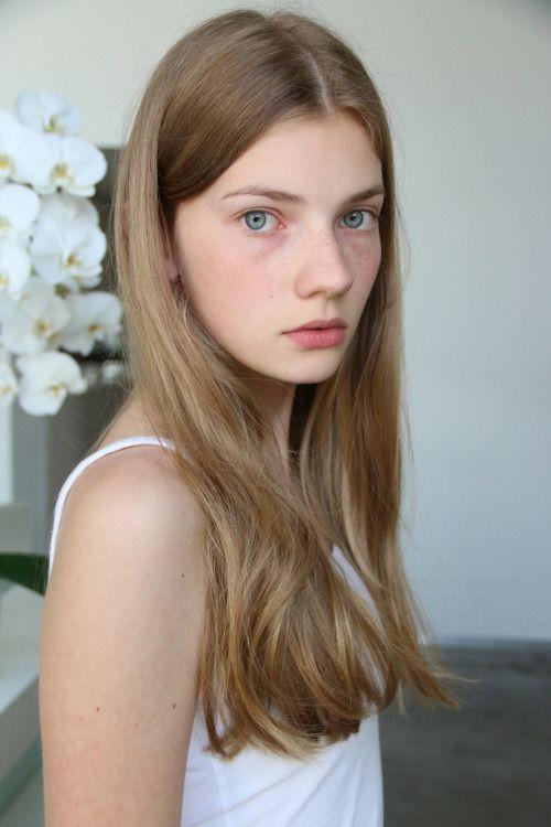 real-nude-teen-girl-flat-chested-johansen-nude-girl