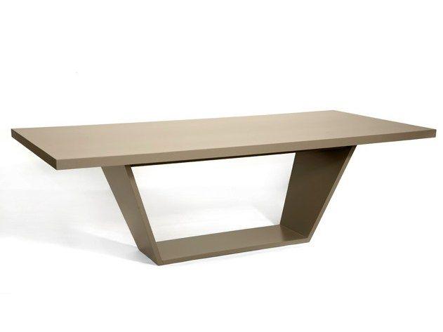 Mesa de comedor rectangular de madera TRAPE - HMD INTERIORS ...