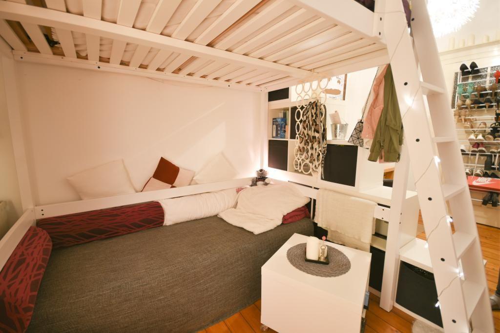 gem tliche leseecke unter dem hochbett optimale nutzung. Black Bedroom Furniture Sets. Home Design Ideas