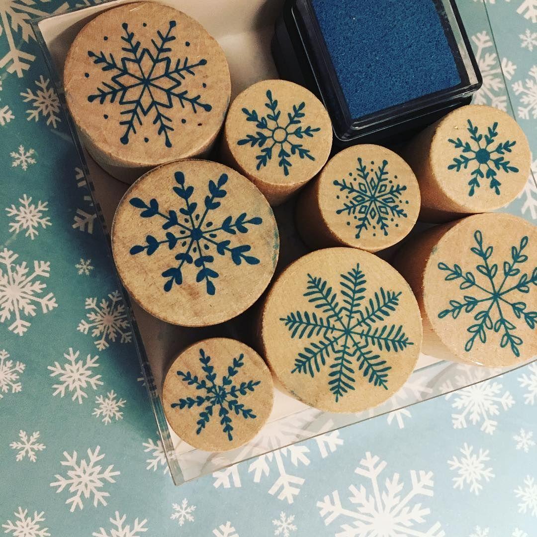 My fantastic xmas stamps from tiger ❄️❄️ #stamps #xmas #blue #coldplay #snowflakes #tigeritalia #tigershop