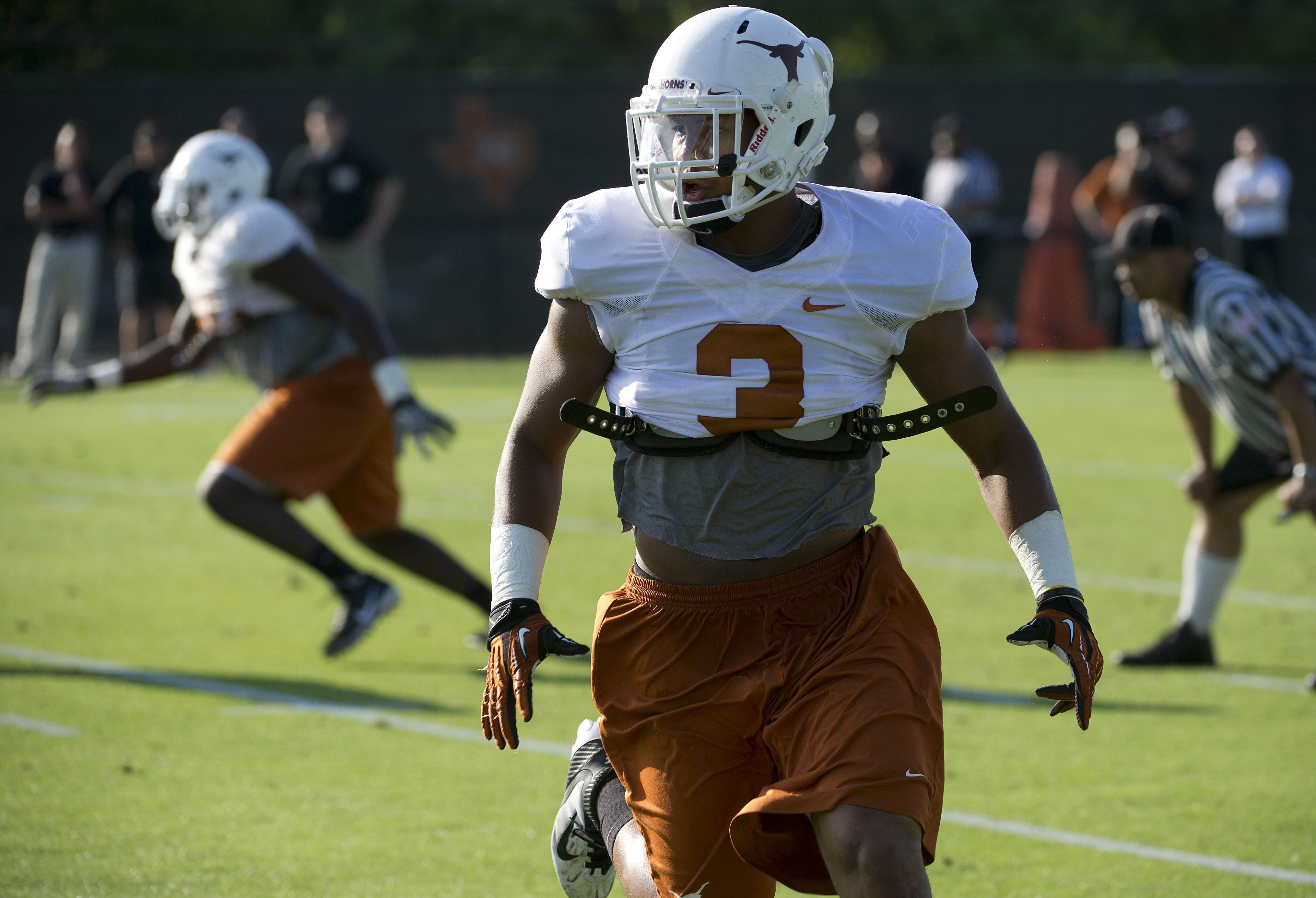 LB Jordan Hicks Texas football, Spring football, Texas
