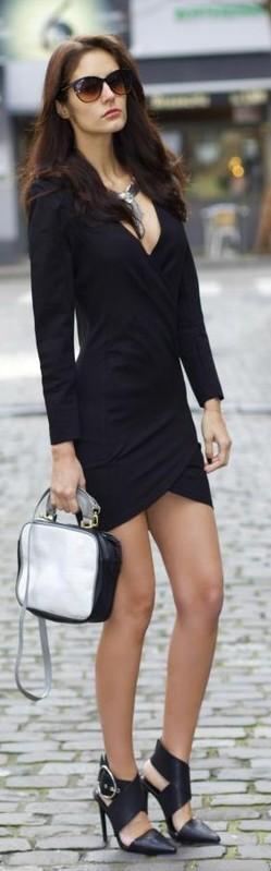 Black long sleeve v neck bodycon dress