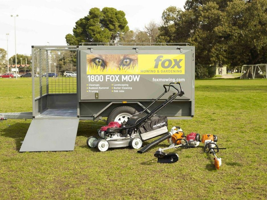 Lawnmowing Endeavourhills Landscaping Is A Full Service Landscaping Company Working In The Endeavour Hills Vic Garden Services Landscape Garden Maintenance