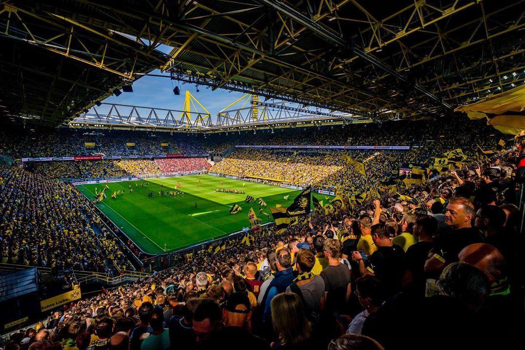 Borussia Dortmund On Instagram Happy Place Bvb Borussiadortmund Bvbb04 Stadion Signalidunapark Sued D Football Stadiums Borussia Dortmund Dortmund