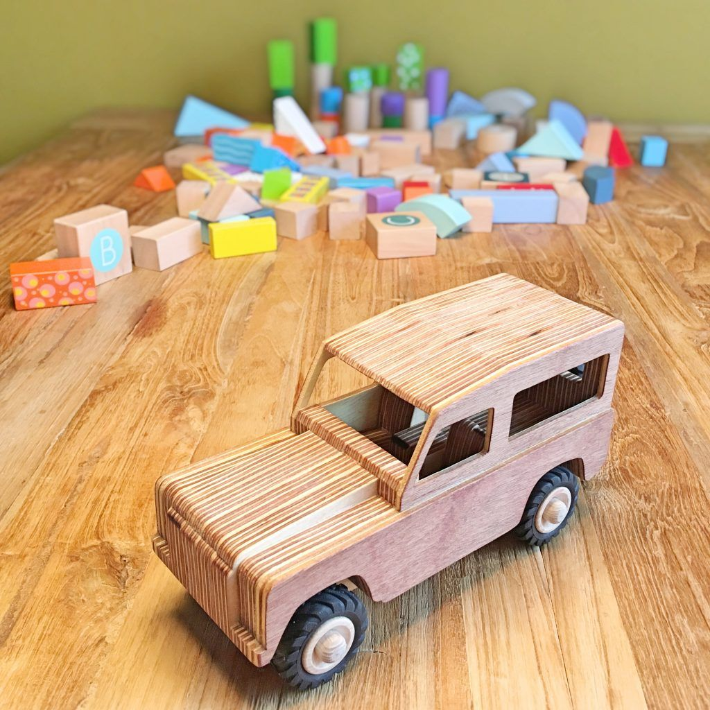 how to make a land rover wooden toy? free scroll saw plans