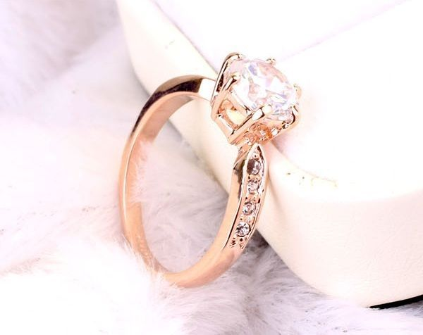 Edel Luxus Damen Ring Rose Gold 18K pl. Kristall