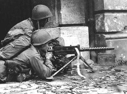 US army Browning MMG. Portable High Firepower | World war two, World war, American  soldiers