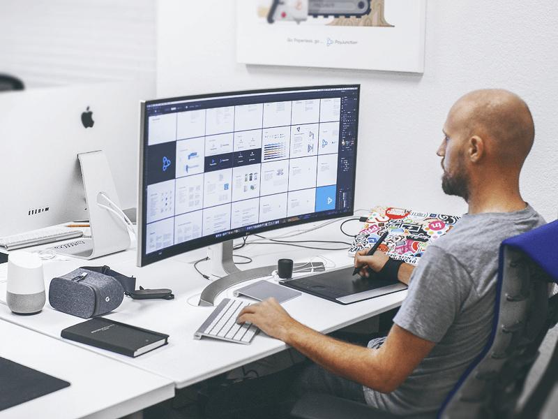 10 Best Desk Setup Of 2017 For Designers Inspire Design Workstations Design Home Office Setup Work Space