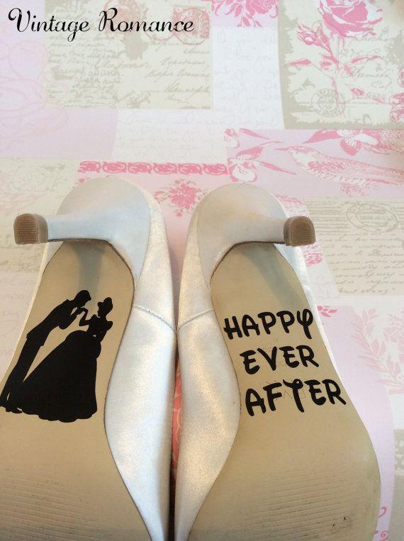 Vintage presenta Romance...  Las calcomanías Hermoso zapato de día de la boda de Disney las calcomanías, el toque final perfecto para tus