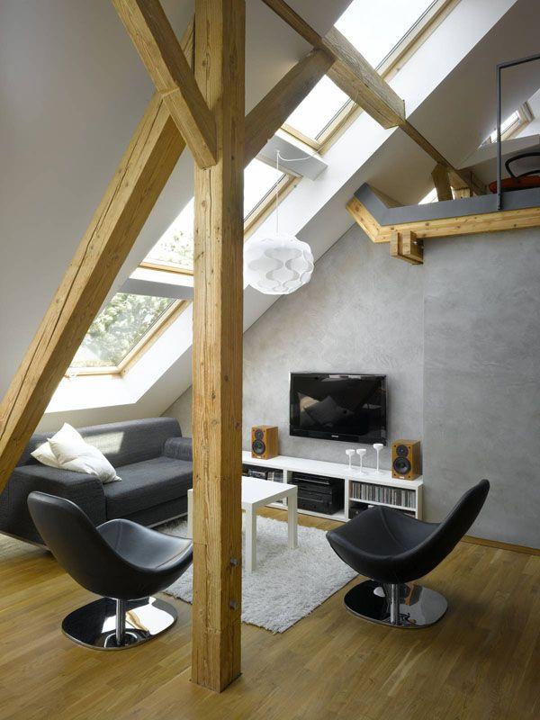 Un mini-loft a Praga Slot of roof lights