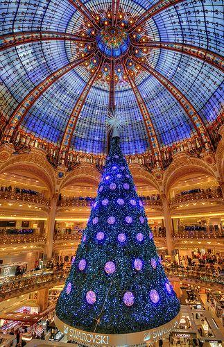 Yahoo Login In 2020 Christmas In Paris Christmas Noel Xmas Tree