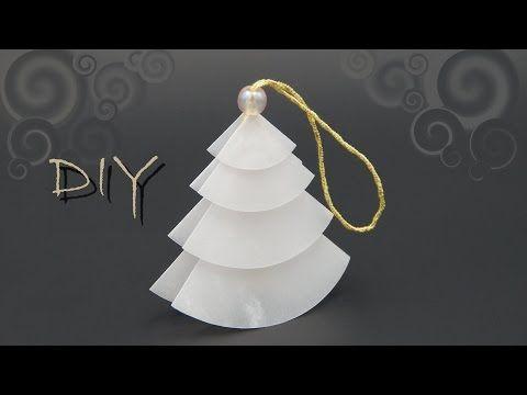 basteln mit Papier zu Weihnachten: einfachen Tannenbaum falten, DIY
