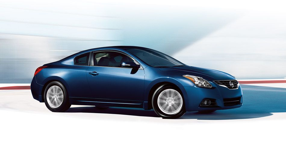 Strong Nissan Altima Sup Sup Coupe 2 5 S Strong Shown In Navy Blue With Images Nissan Altima Coupe Nissan Altima Altima