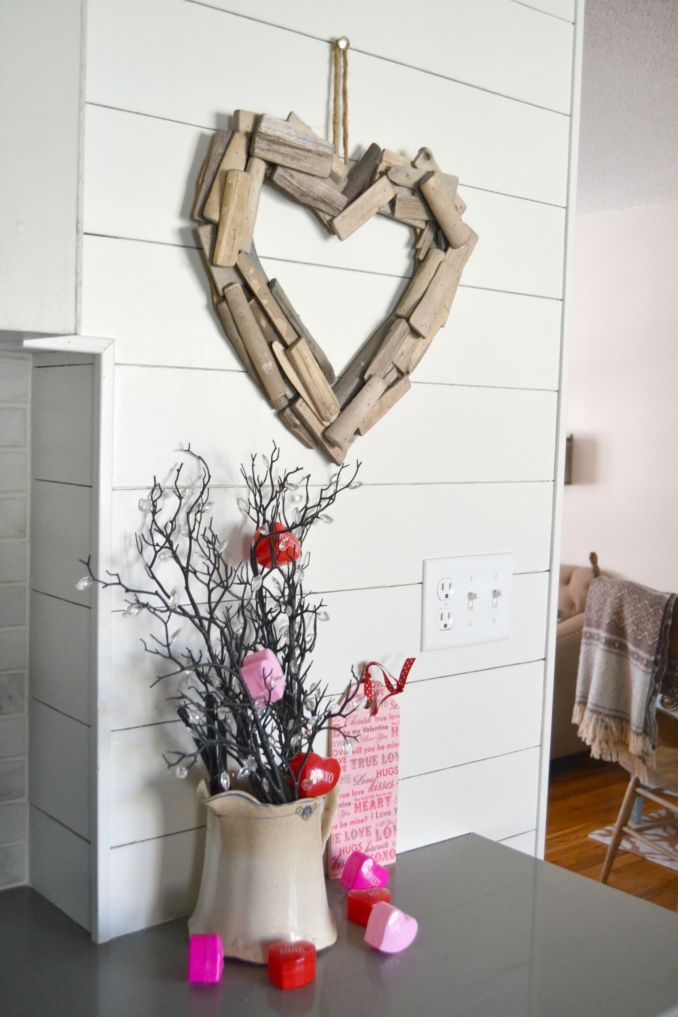 Diy driftwood heart wreath from my creative days valentine