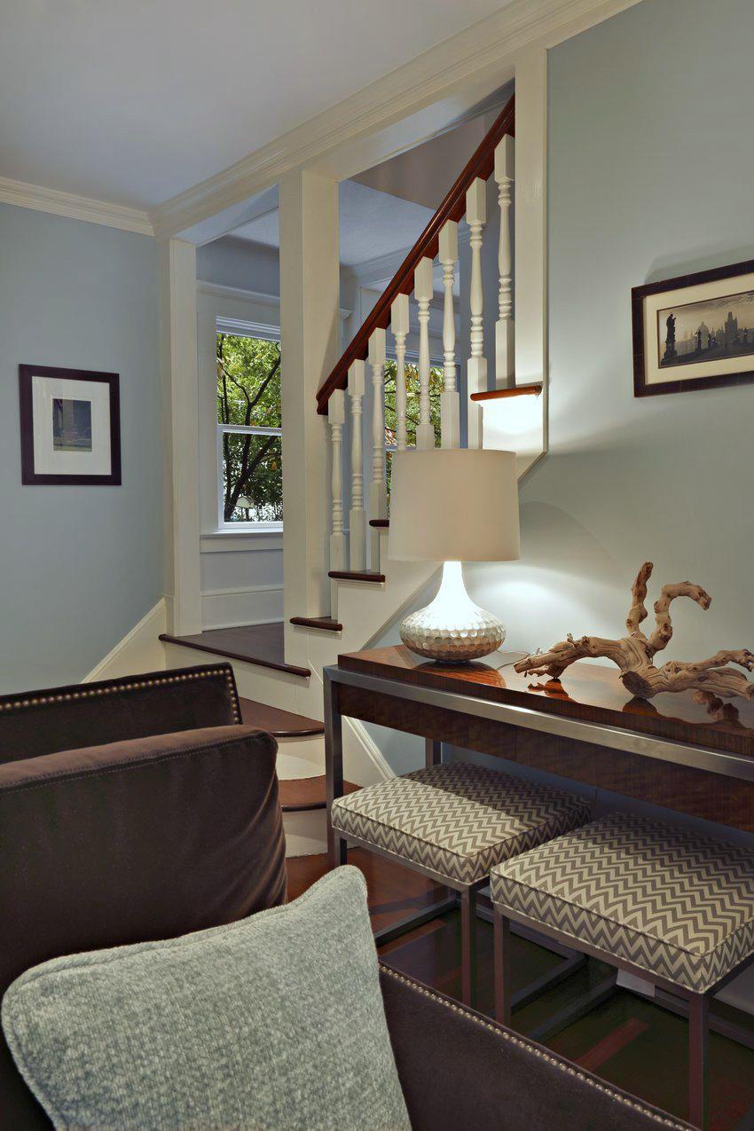 Contemporary Cape Cod Living Room :: Luminosus Design