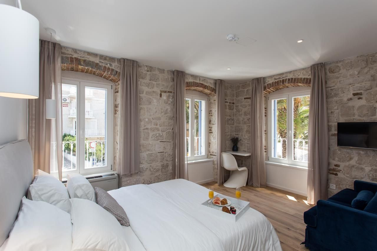 Bifora Heritage Hotel Trogir Updated 2019 Prices In 2019 Heritage Hotel Double Room Home