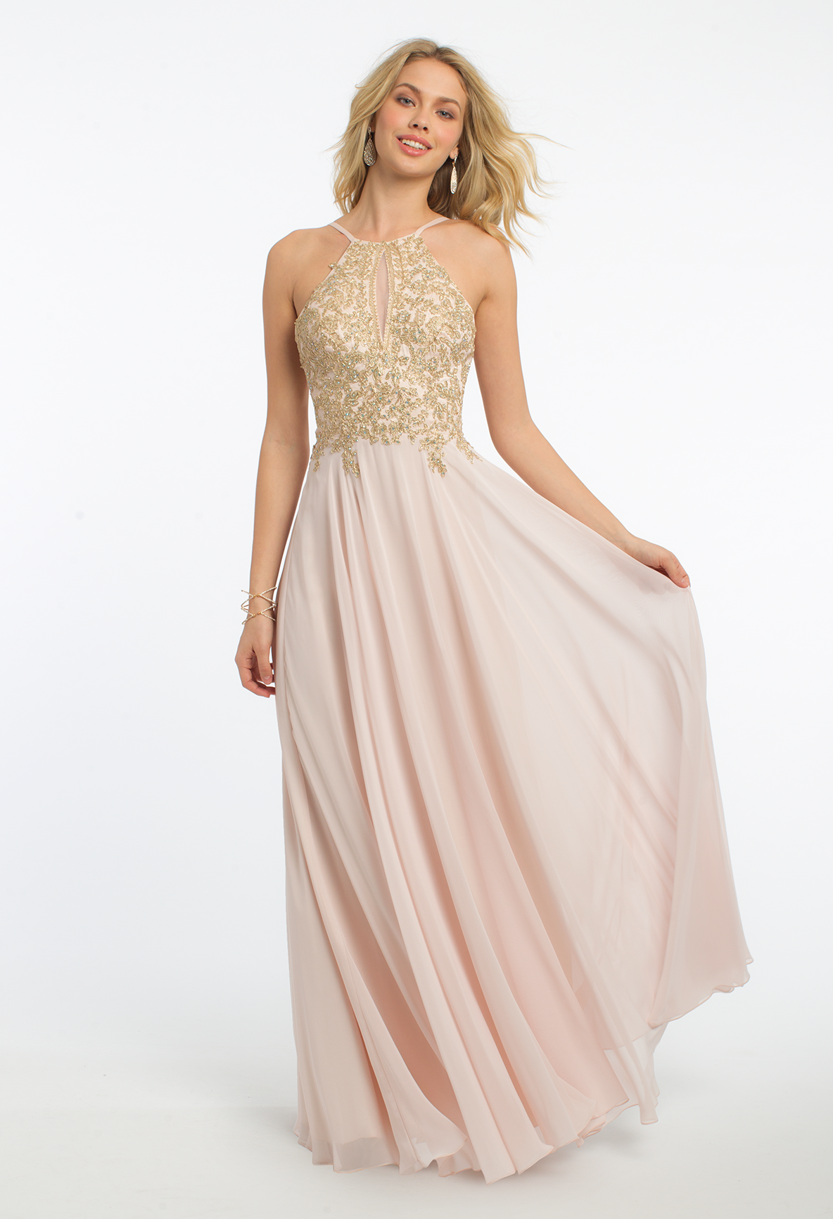 Prepare For A Picture Perfect Night In This Long Evening Dress With Its Halter Neckline Metallic Embroidered Dresses Wedding Guest Dress Evening Dresses Long [ 1732 x 1184 Pixel ]