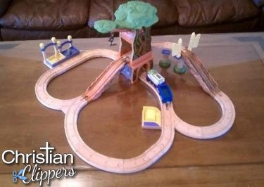 Chuggington Wooden Railway Koko Safari Train Set : chuggington train set table - pezcame.com