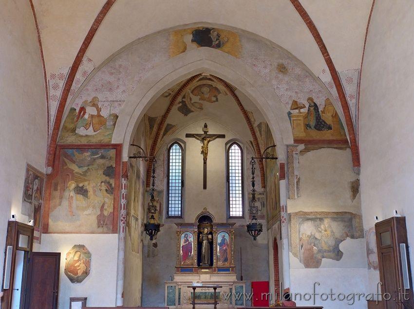 Milan (Italy): Arch and presbiterium in the Church of San Bernardino alle Monache