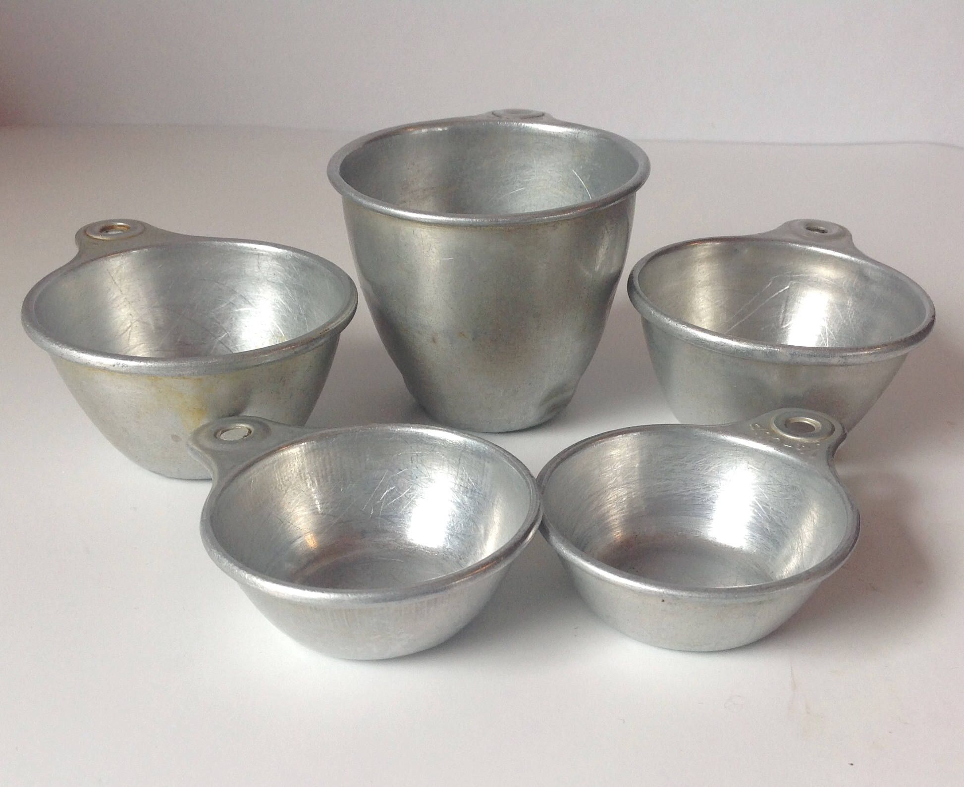 Vintage Aluminum Measuring Cup Set Of 5 Ekco 1 2 2