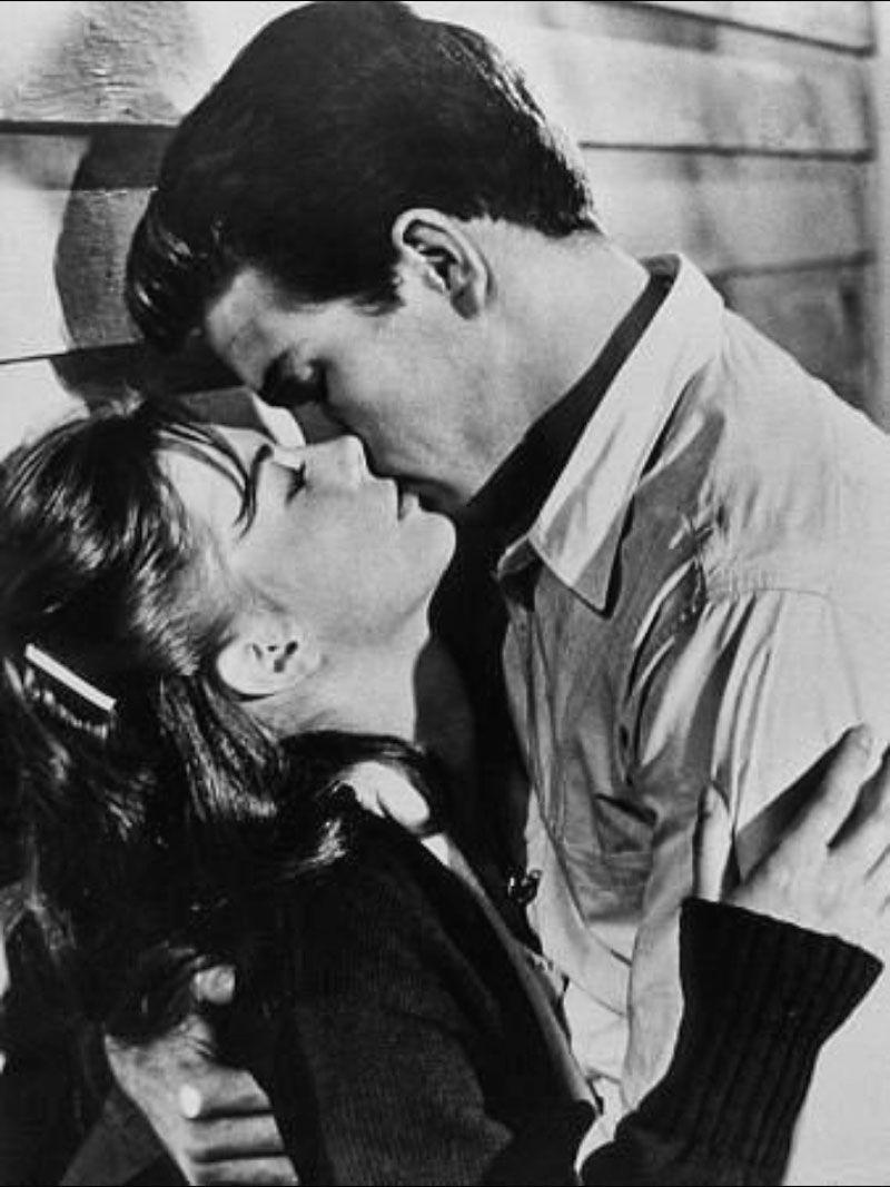 """Natalie Wood y Warren Beatty en """"Esplendor en la hierba"""", 1961"""