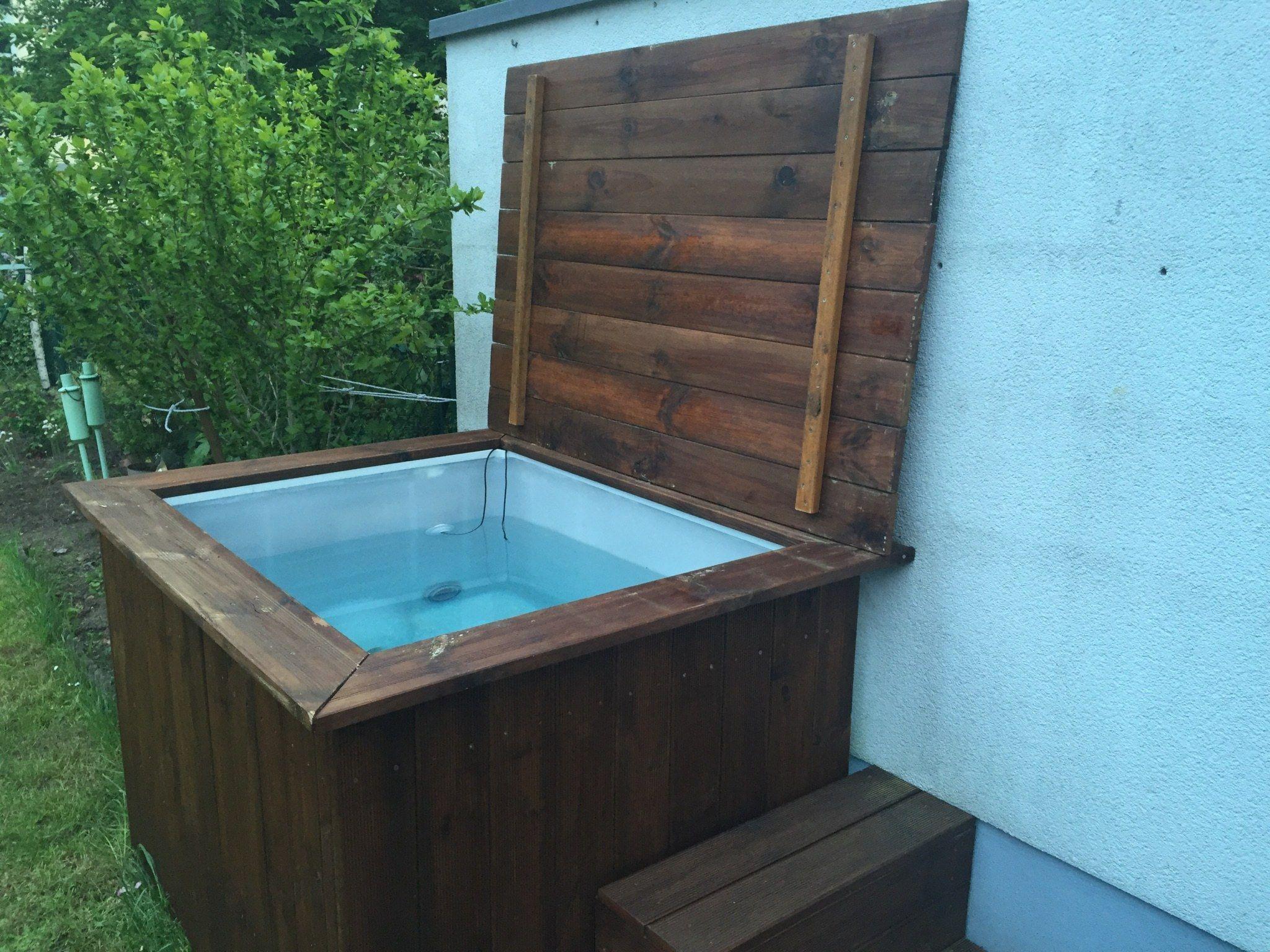 Diy Whirlpool Der Deckel Badewanne Garten Whirlpool Garten Whirlpool Selber Bauen