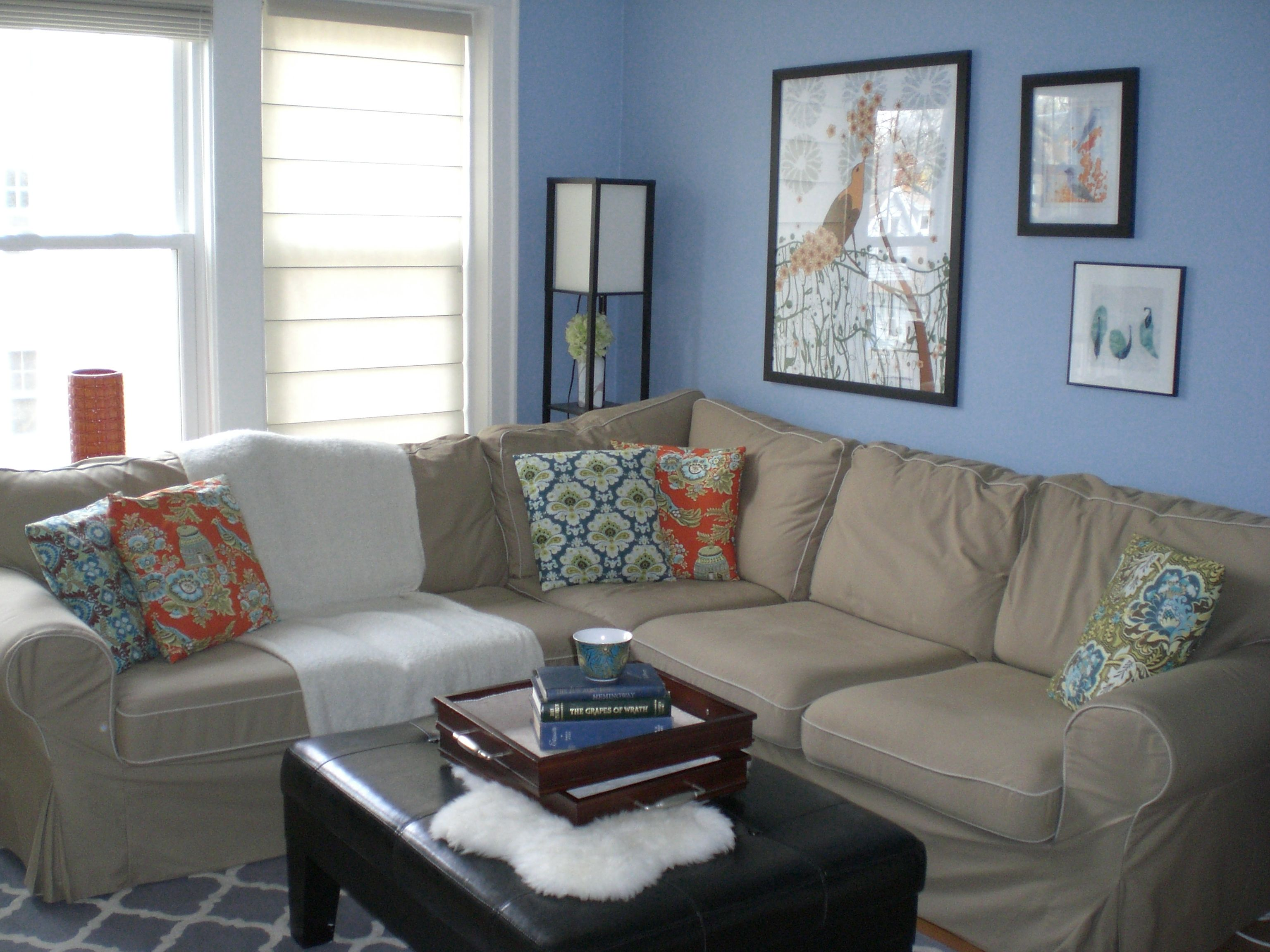 Light blue paint colors for living room xrkotdh living for Small living room paint ideas