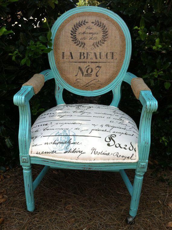 hermosa silla faustina tapizada con lienzo bordado a mano por rh pinterest com shabby chic upholstered rocking chair
