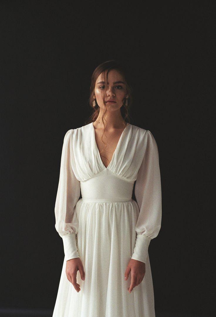 Long sleeve wedding dress Boho bishop sleeve wedding dress Bohemian V-neck wedding dress Chiffon wedding gow… в 2020г | Платья, Платье на свадьбу, Выпускные короткие платья