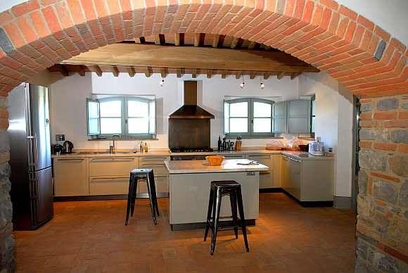 Soggiorno moderno con pavimento in cotto : foto-pavimento-cucina-e ...