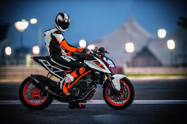 ktm 1290 super duke r gets an update for 2017 | ktm motorcycles