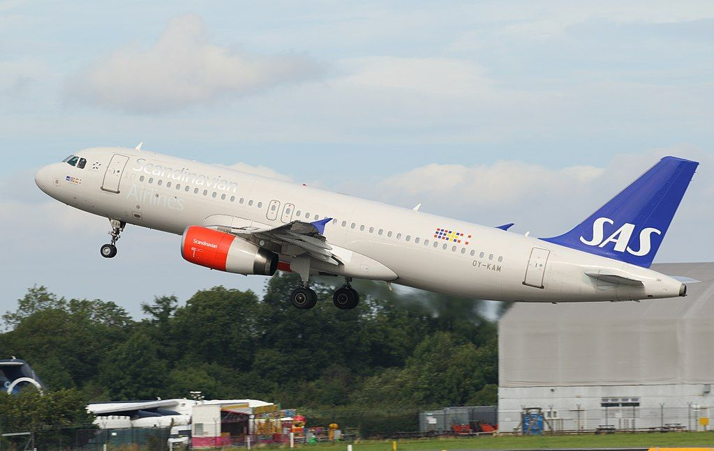 Sas Scandinavian Airlines Airbus A320 232 Oy Kam Randver Viking At Manchester Airport Sas Airlines Fleet Airbus