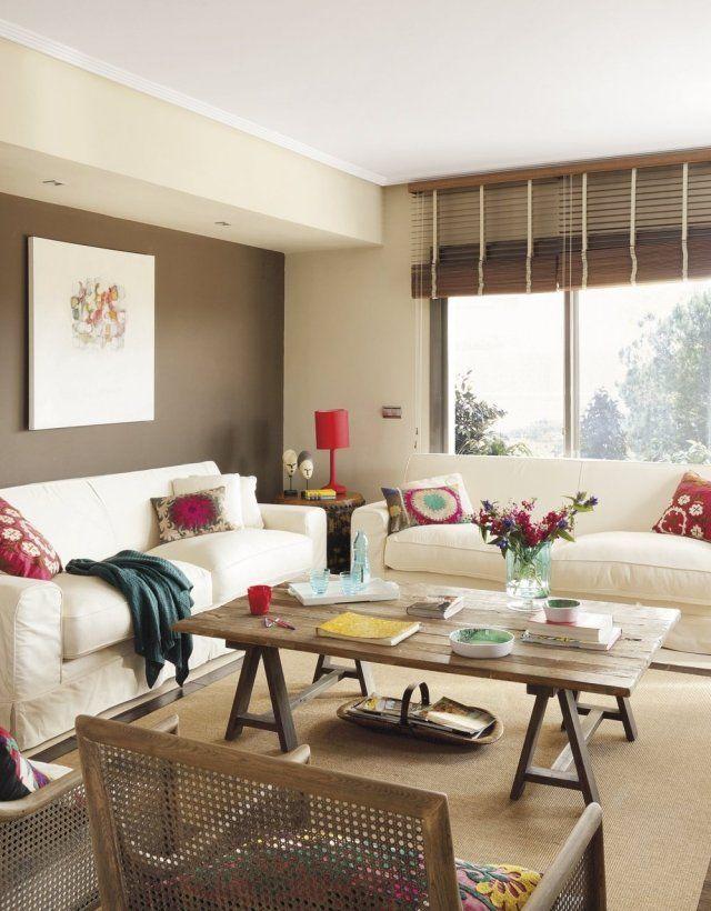 wohnzimmer wandfarbe braun ecru polstersofas holz couchtisch - wohnzimmer einrichten braun grun