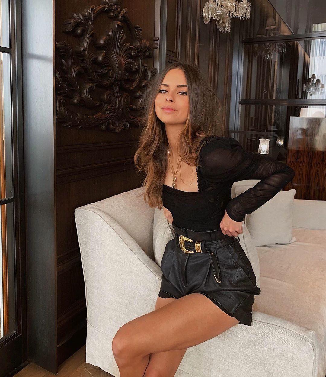 Outfits 'Glam Black para iniciar el año con el pie derecho