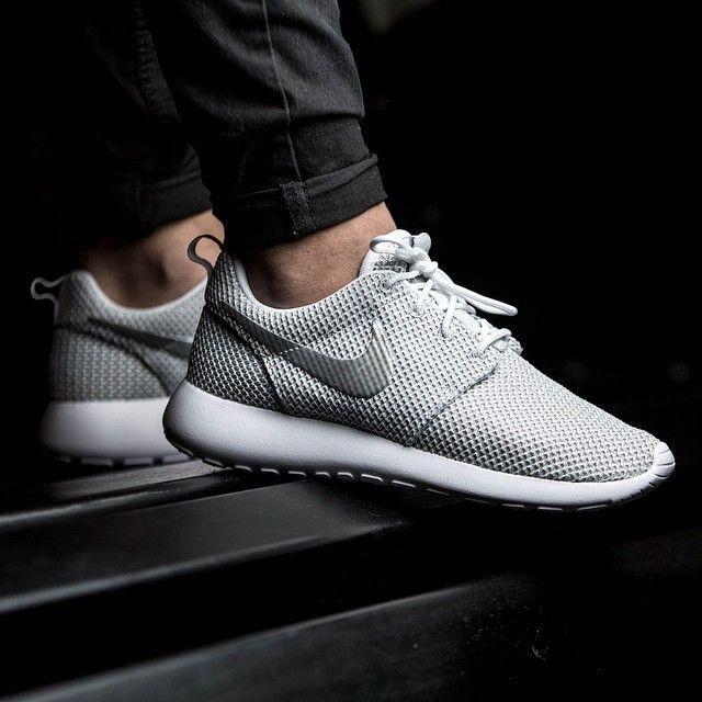 Nike Roshe Run 43einhalb