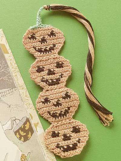 Pumpkin Bookmark - free crochet pattern | Crochet Bookmarks/Keyrings ...