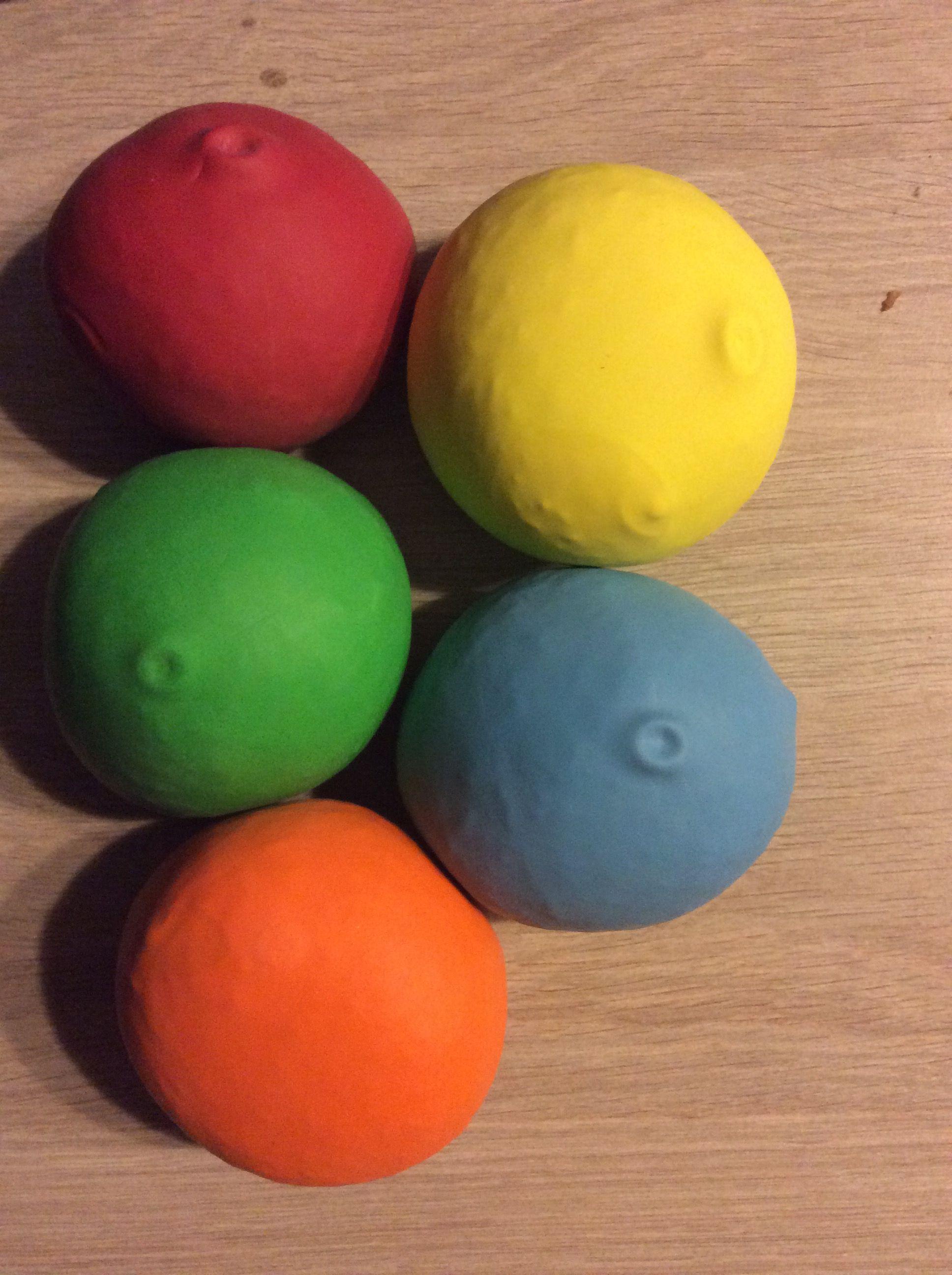 Maak Zelf Ballen Met Rijst En Ballonnen Tip Voor De Ballonnen Met Reclame Op Draai Ze Gewoon Binnenstebuiten Liestr Ballonnen Ballon Ballen