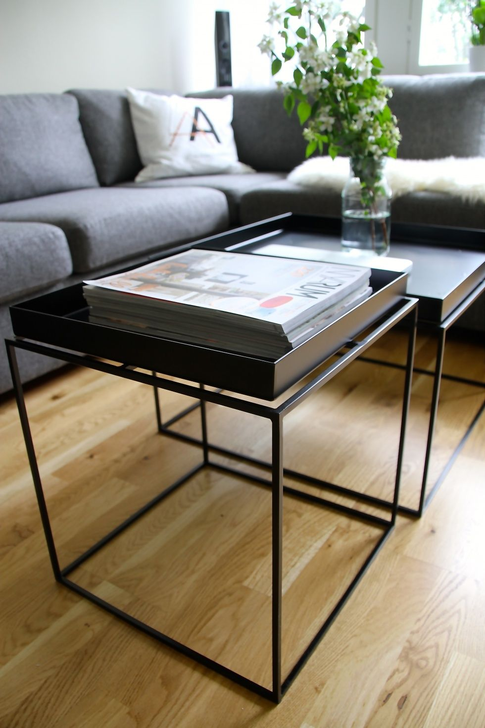 hay tray table zwart idee per la casa pinterest. Black Bedroom Furniture Sets. Home Design Ideas