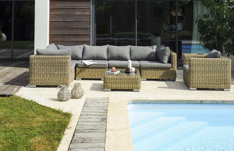 Salon de jardin en résine ronde 6 à 7 places. #salon #jardin ...